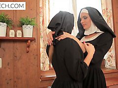 Nun, Facesitting piss, Xhamster.com
