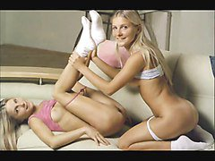 Twins, Female twins get kinky with lucky guy, Xhamster.com