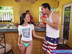 Babe, Mom watches dad and daughter, Txxx.com