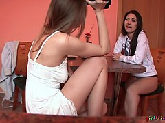British, Girlfriend, Girlfriend mom, Txxx.com